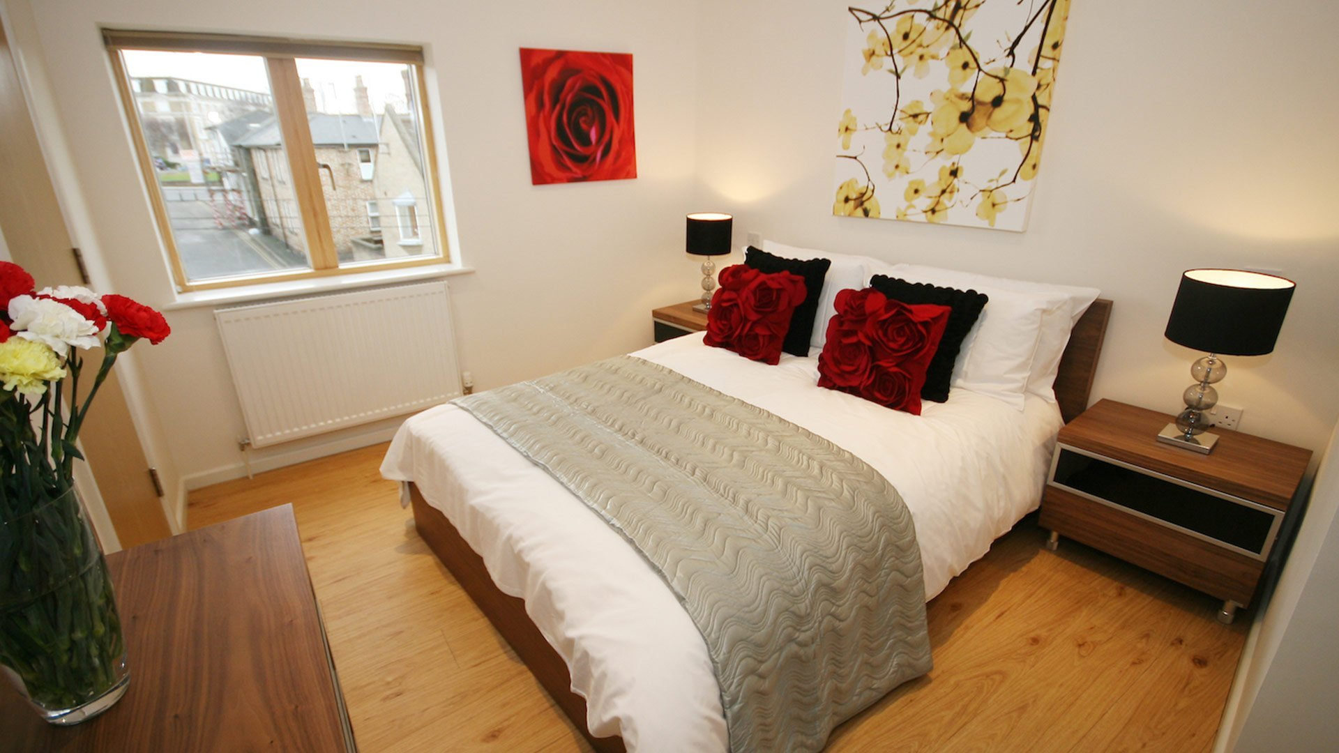 Looking-for-affordable-accommodation-in-Cambridge?-why-not-book-our-lovely-Cambridge-Serviced-Accommodation-at-St-Peters-Street.-Call-today-for-great-rates.