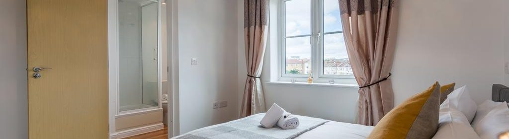 Southend-on-Sea, Serviced Accommodation | Modern Let Apartments | Free Wifi | Fully Equipped Kitchen | |0208 6913920| Urban Stay