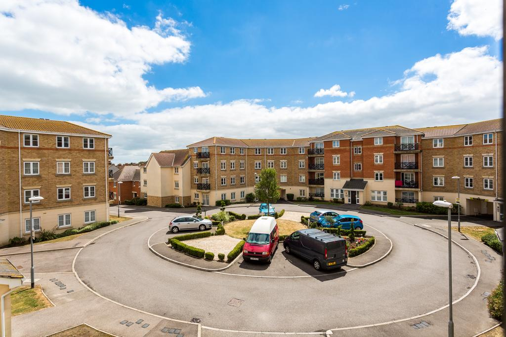 Serviced-Accommodation,-Southend-on-Sea-|Stylish-Short-Let-Apartments-|-Free-Wifi-|-Fully-Equipped-Kitchen-|-|0208-6913920|-Urban-Stay