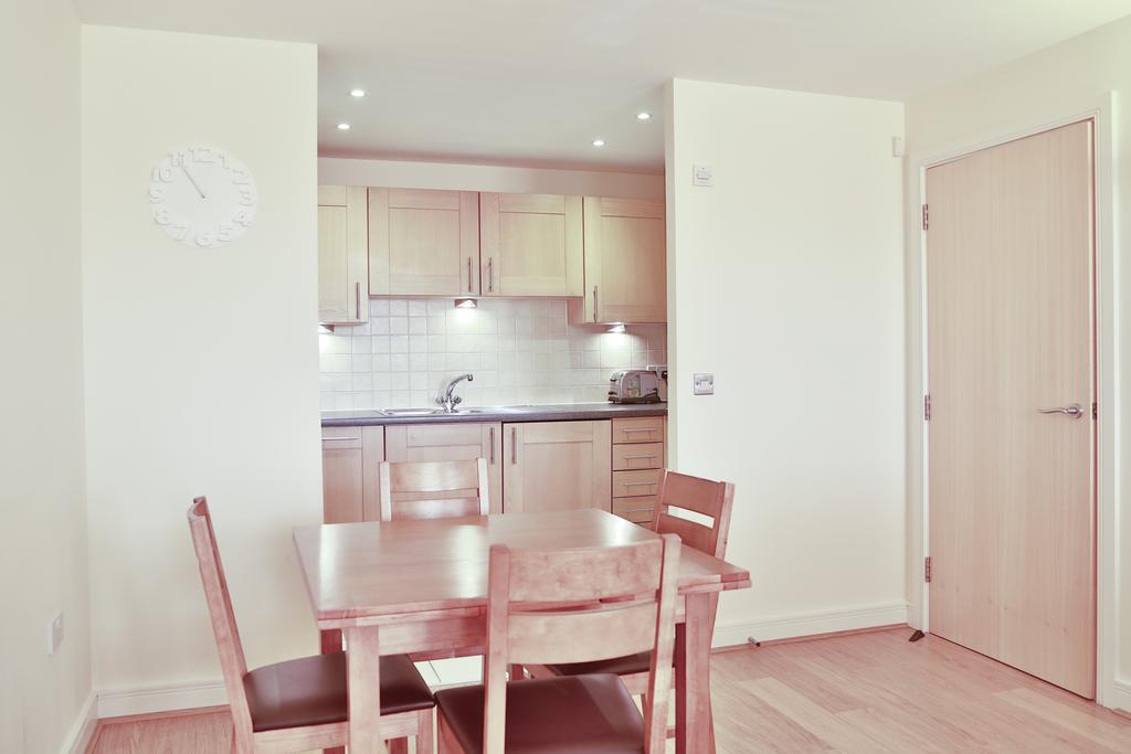 Looking-for-affordable-accommodation-in-Woking?-why-not-book-our-lovely-Woking-Corporate-Apartments-at-Heathside-Road?-call-today-for-great-rates.