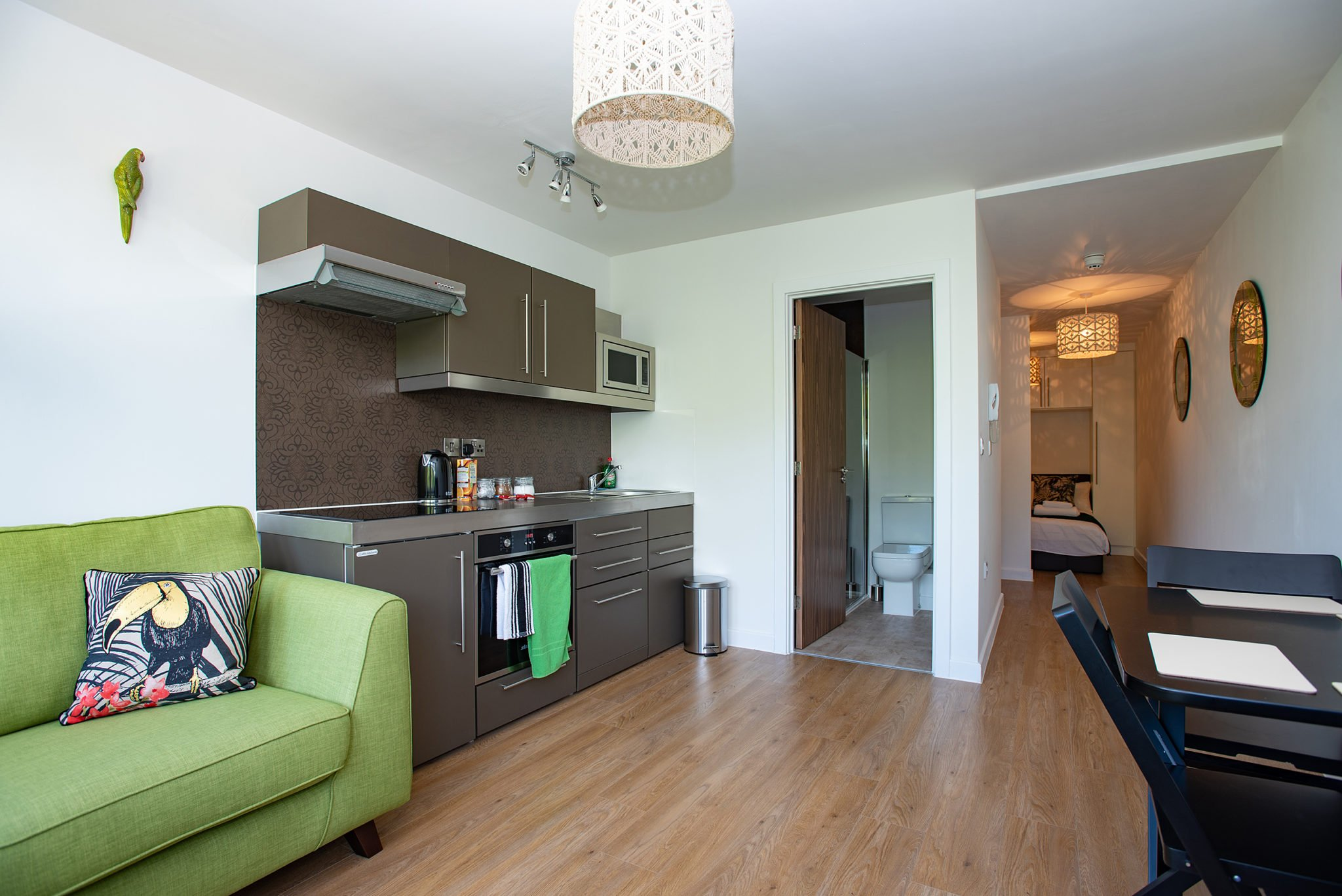 Furnished-Accommodation-Southampton-in-Portcullis-House-|-Cheap-Short-Let-Apartments-near-Southampton-port-|-Lift,-Fully-equipped-kitchen-|-Urban-Stay