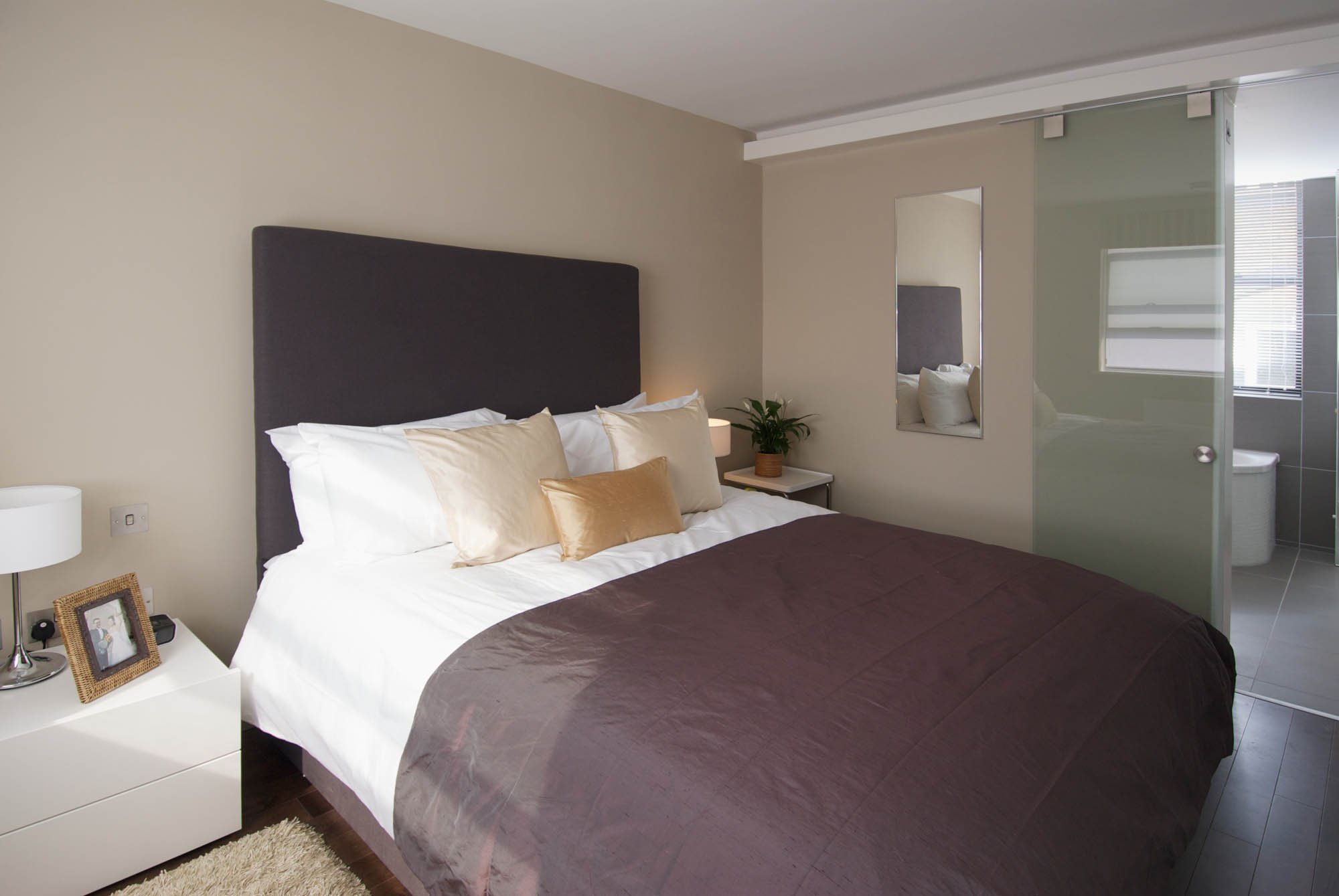 Serviced-Accommodation-Blackfriars|-5-star-short-Let-Apartments-|-Air-Con|-24h-reception-|-Free-Wi-Fi