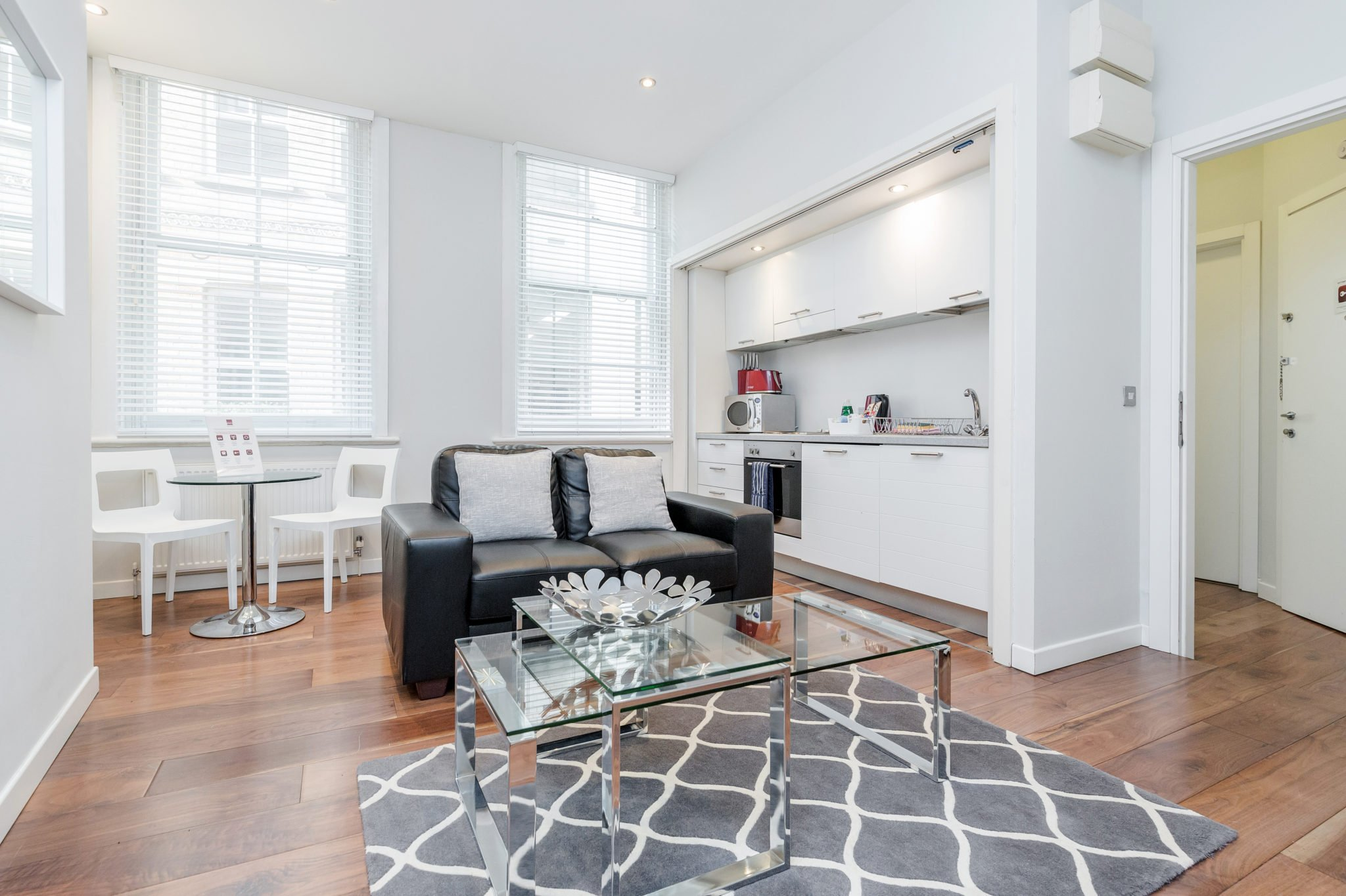 Chancery-Lane-Accommodation-London-|-Serviced-Apartments-Central-London-|-Short-Let-Apartments-Near-Farringdon-|-All-Bills-incl---Best-Rates!-BOOK-NOW