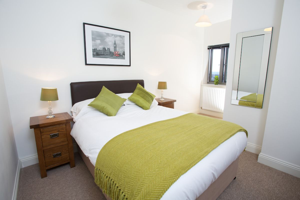 Looking-for-affordable-accommodation-in-Yeovil,-why-not-book-our-Yeovil-Serviced-Accommodation-at-Park-Road?-call-today-for-great-rates.
