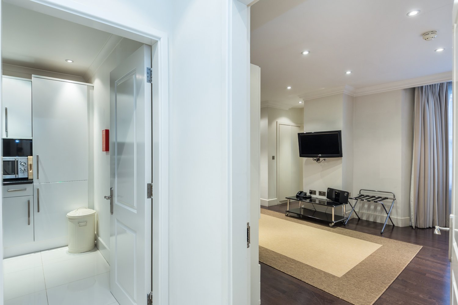 Serviced-Accommodation-Paddington-in-Central-London- -5-Star-Short-Let-Apartments-near-Hyde-Park- -Lift,-Aircon,-24h-Reception- -Urban-Stay