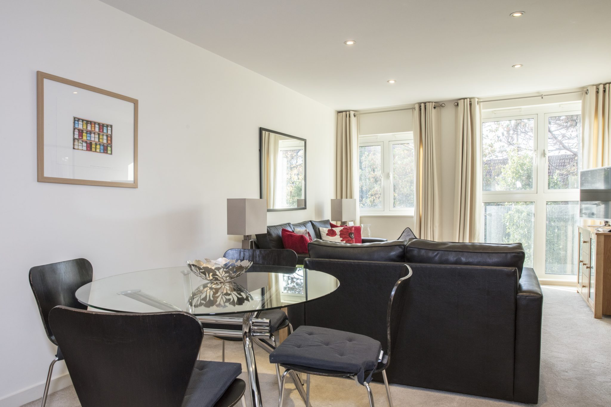 Kensington-Corporate-Apartments-Central-London-|Stylish-Short-Let-Apartments-|-Free-Wifi-|-Fully-Equipped-Kitchen-|-|0208-6913920|-Urban-Stay