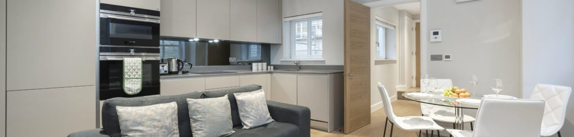 Serviced Apartments Chancery Lane available now! Book cheap shortlets Fleet Street Apartments with Free-Wi-Fi, Private Balcony & Fully Equipped Kitchen.