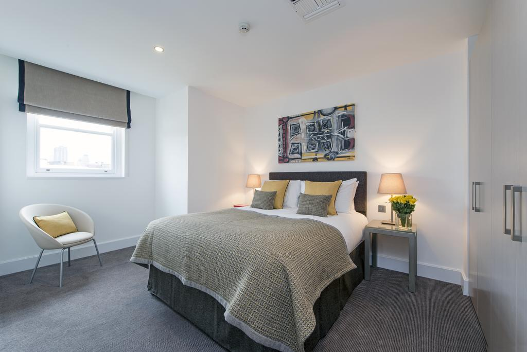 Serviced Apartments Clerkenwell | Stylish Apartments | Free Wifi & 24/7 Reception Desk | Fully Equipped Kitchen |0208 6913920| Urban Stay