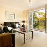Luxury Berkshire Serviced Aparthotels located in Newbury- Book Cheap College Mews Accommodation | Free Wifi, Weekly Housekeeping and Parking! Available Now!