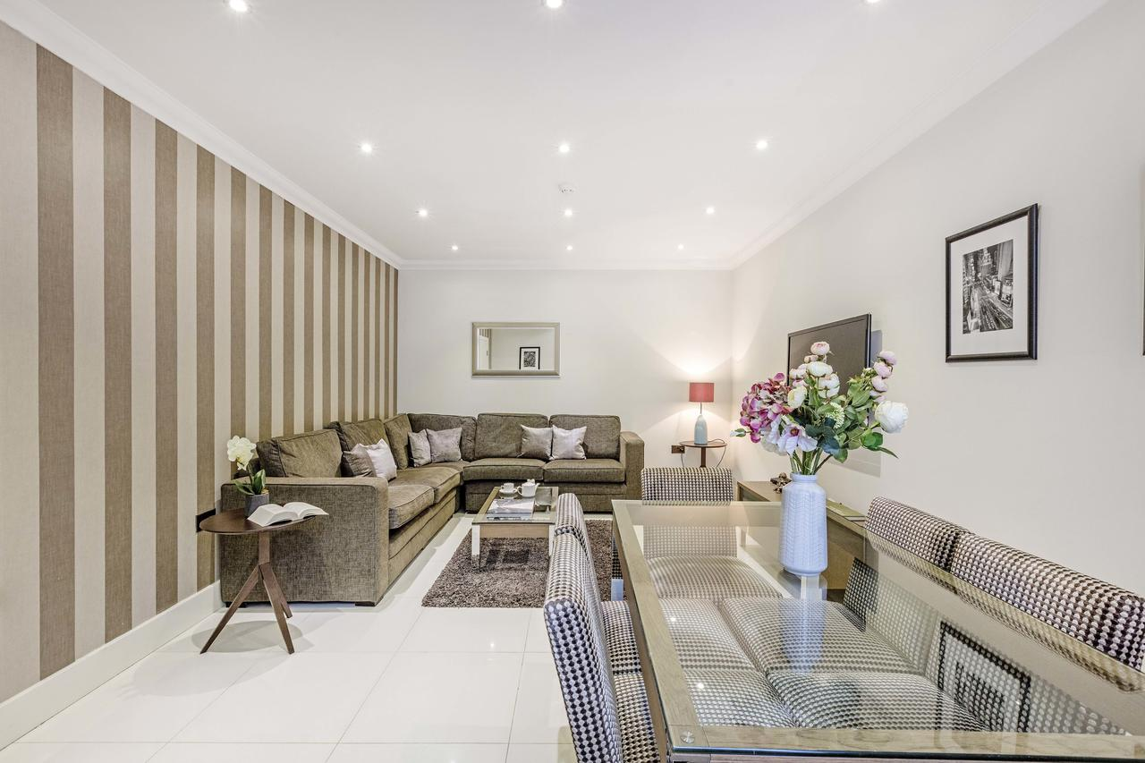 Luxury-Serviced-Apartments---Ashburn-Court-available-now!-Book-Stylish-Apartments-with-Free-Wifi-&-Air-Conditioning