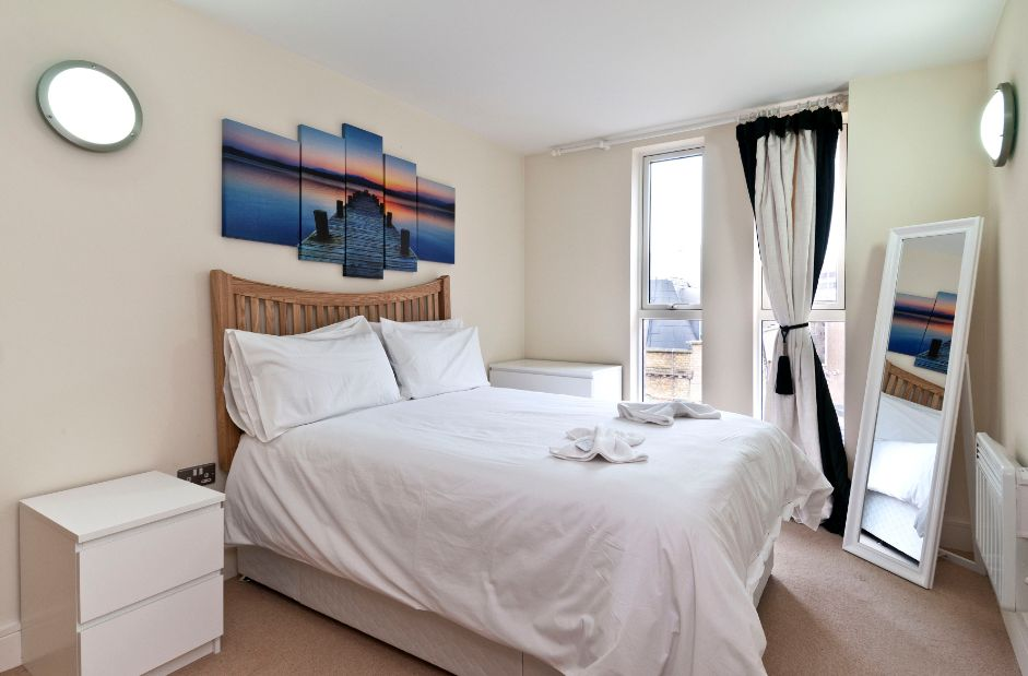 Southwark-Serviced-Aparthotel,-London-|-Ideal-for-business-travellers-relocating-|-Flat-Screen-TV-|-Washer/-Dryer-|-Book-Now-on-+44-(0)-208-691-3920