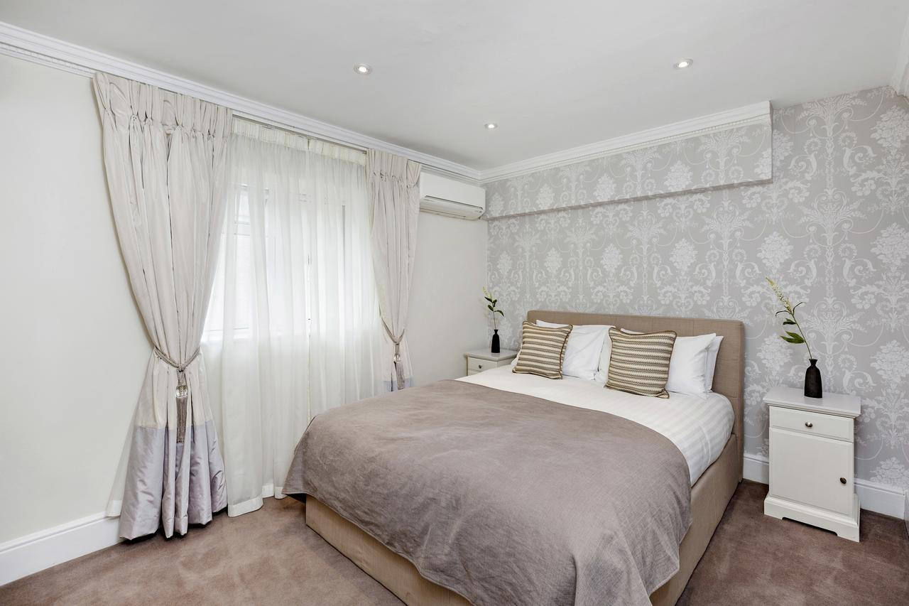 Serviced-Accommodation-South-Kensington- Stylish-and-Spacious-Apartments- -Free-Wifi- -Parking-Available- 0208-6913920 -Urban-Stay
