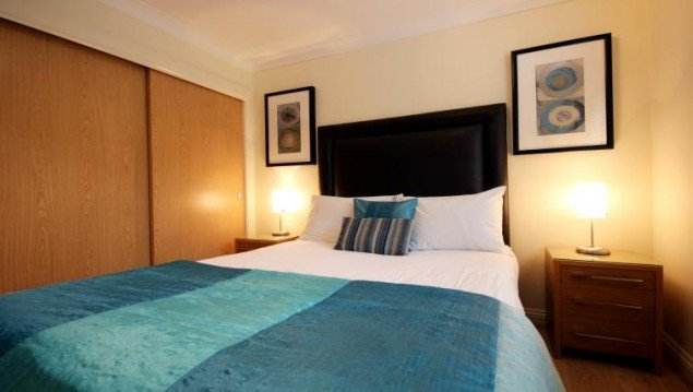 Thames-Valley-Serviced-Accommodation-|-Comfortable-Short-Let-Apartments-|-Free-Wifi-|-Fully-Equipped-Kitchen-|-Flat-Screen-TV-|0208-6913920|-Urban-Stay