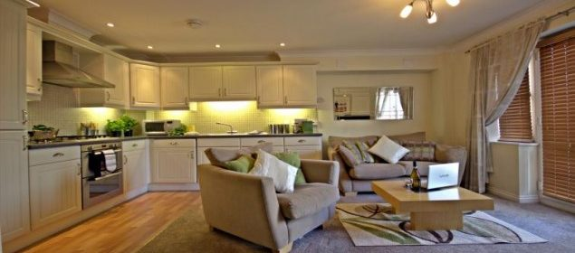 Basingstoke Serviced Accommodation Berkshire available NOW! Book corporate Short Let Apartments in Basingstoke with Free Parking,Sky TV & Wifi Incl now!