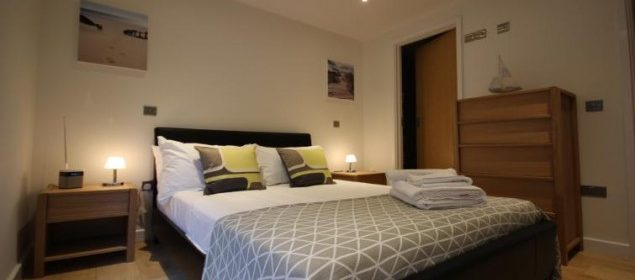 Holiday Apartments Reading, Berkshire, UK! Free Wifi, On-site Parking and Weekly Housekeeping! BOOK NOW on +44 208 691 3920 for the Best Discounted Rates!