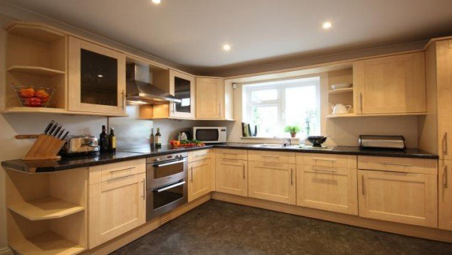 Berkshire-Serviced-Accommodation---The-Poppies-House-|-Book-NOW-for-Spacious-and-Comfortable-Short-Let-Apartments-|-Fully-Equipped-Kitchen-|-Private-Garden