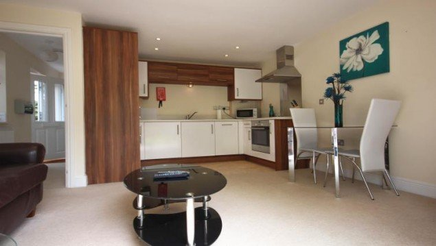 Luxury-Berkshire-Accommodation-located-in-Newbury,-UK--Special-Offer-on-St.-Michaels-House-Accommodation- -Free-Wifi-and-Complimentary-Parking!-Book-Now!2