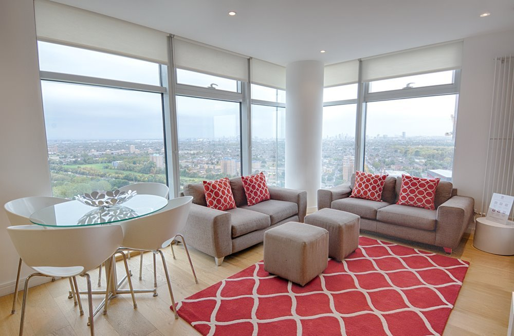 Serviced Accommodation Ilford available now! Book cheap luxury short let apartments in East London with Urban Stay - the perfect hotel alternative for you!