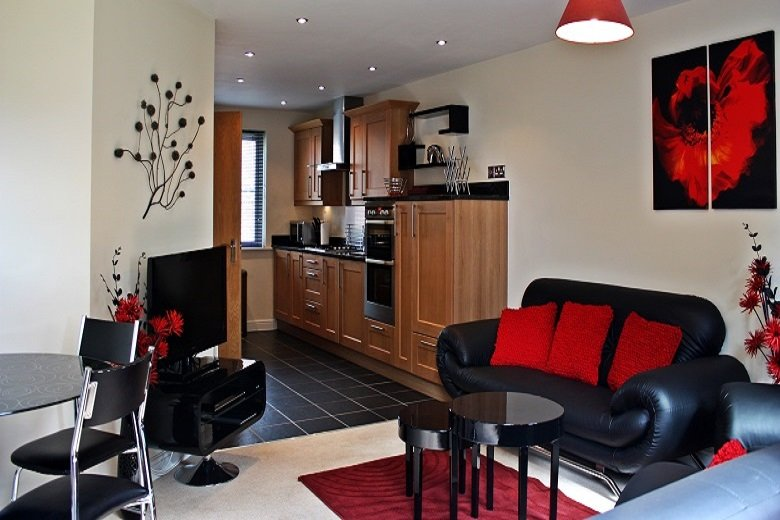 Bracknell-Bullfinch-Accommodation-|-Luxurious-and-Spacious-Townhouse-|-Free-Wifi-|-Fully-Equipped-Kitchen-|-On-Site-Parking-|0208-6913920-|-Urban-Stay