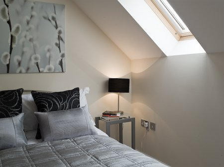 Bracknell-Serviced-Townhouse---Darwin-Place- -Luxurious-4-Bedrooms- -Free-Wifi- -Free-Parking- -Flat-Screen-HD-TV- -Housekeeping- -0208-6913920 -Urban-Stay