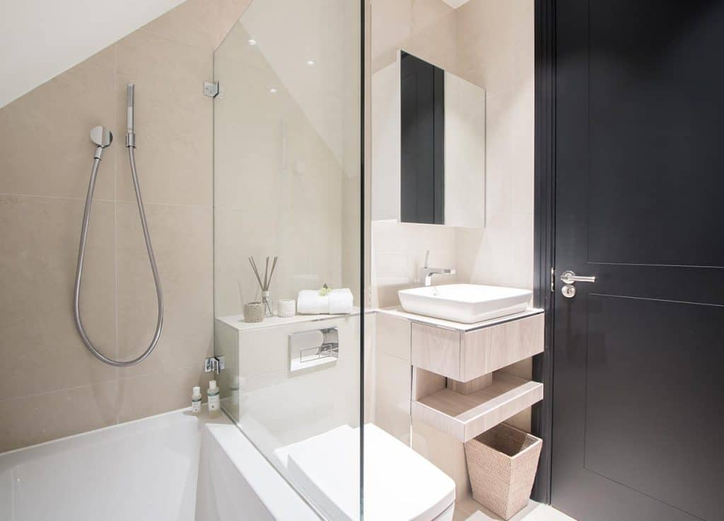 Isleworth-Luxury-Apartments,-London,-UK---18-Egerton-Drive-Accommodation,-Available-now!-Book-Luxurious-accommodation-with-beautiful-interior- -Urban-Stay