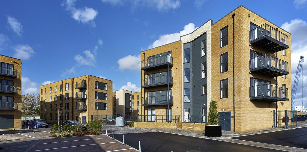 Southampton-Serviced-Accommodation---Deanery-Court-Apartments-Available-Now!-Book-Cheap-Corporate-Apartments-in-the-heart-of-Ocean-Village-Marina|Urban-Stay