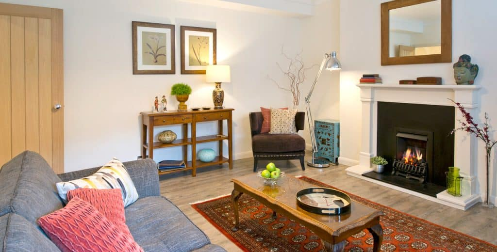Twickenham-Holiday-Apartments--The-Brooke-Accommodation,-London-available-now!-Book-Cheap-&-Luxurious-Apartments-with-Free-Wifi,-Sky-HD-TV-&-a-Front-Garden