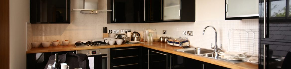 Wokingham Serviced Apartments, Berkshire, UK - Montague House available now! Book Luxurious Apartments with complimentary housekeeping & On-site Parking