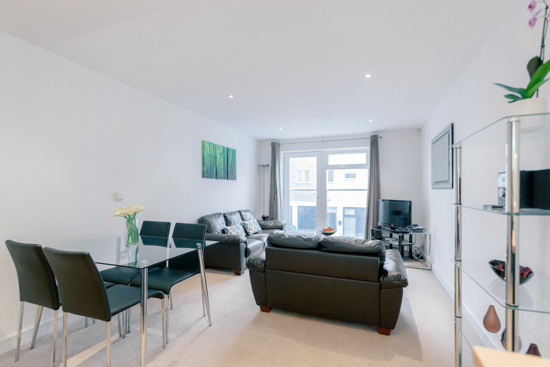 Guildford-Serviced-Accommodation-|-Corporate-Accommodation-|-Serviced-Apartments-|-Award-Winning-Quality-Accredited-|-BOOK-NOW-|-Urban-Stay