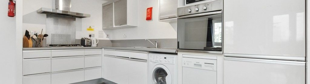 Shoreditch Short Lets offers centrally located apartments in the heart of Shoreditch with lift access, weekly housekeeping and close transport links!