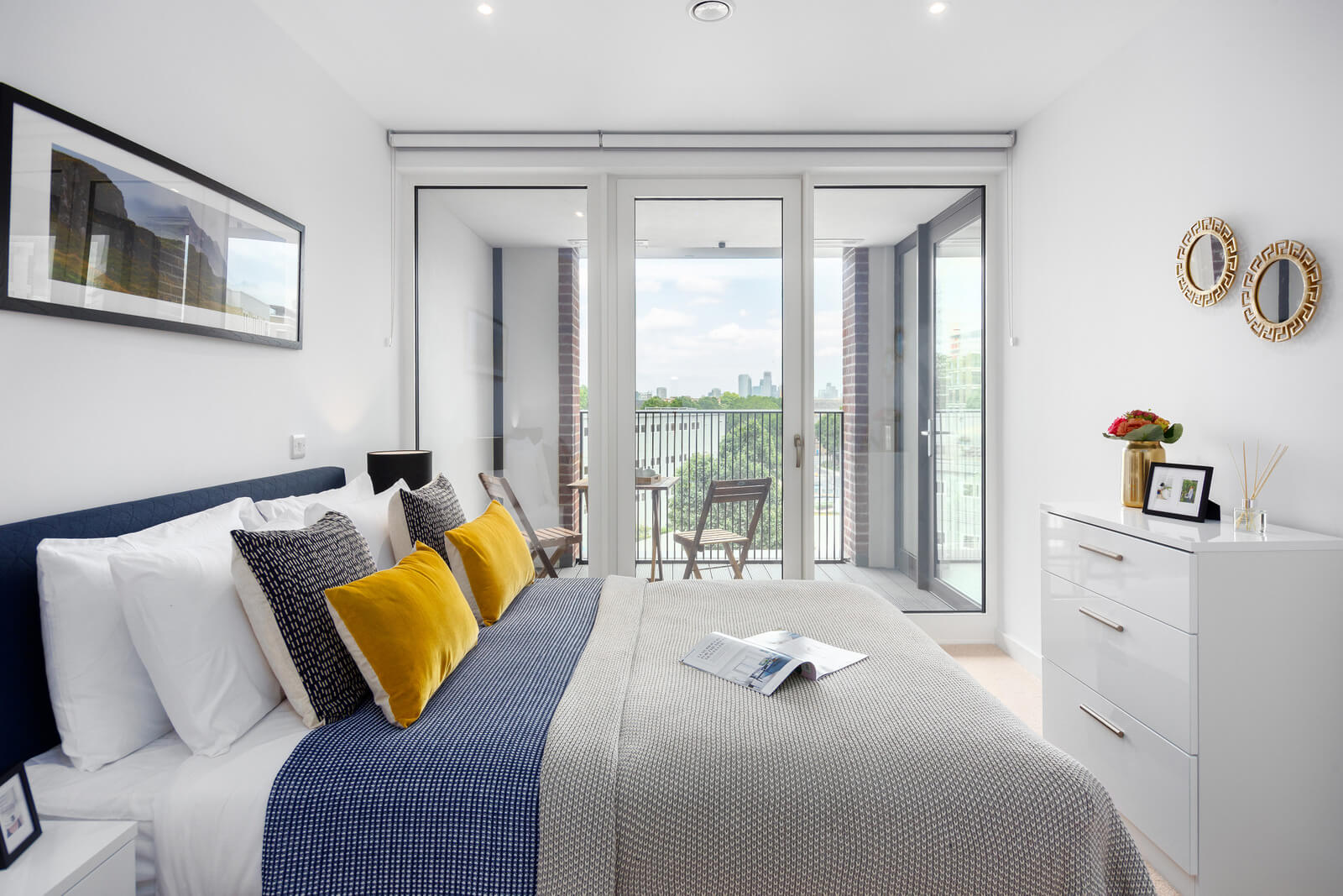 Modern-Elephant-and-Castle-Apartments-available-now-for-Short-Lets!---Book-South-London-Corporate-Accommodation-near-Waterloo-&-Southbank-at-Low-Cost-Today