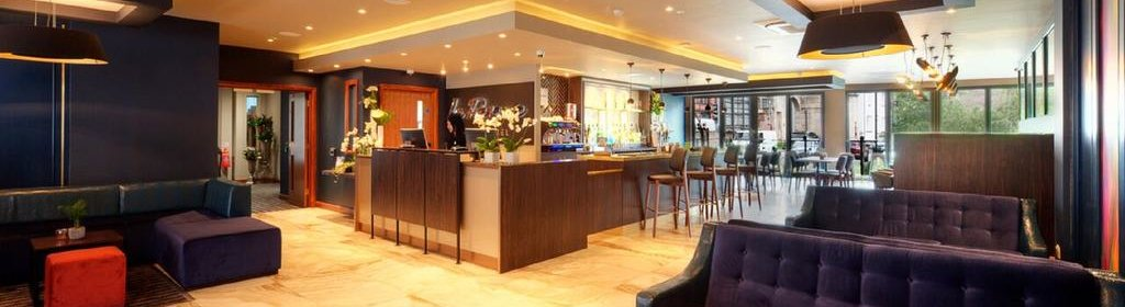 Luxury Aparthotel Manchester - Serviced Apartments in Manchester with 24h Reception, Pool, Gym, Jacuzzi, Sky TV, Parking | Urban Stay