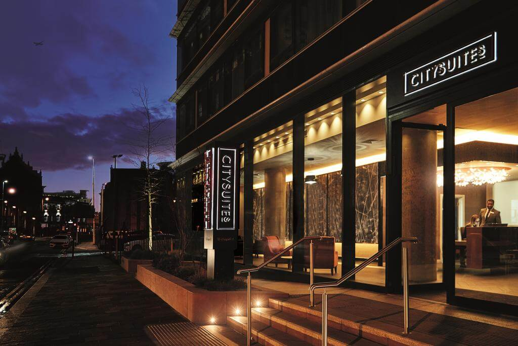 Apart-Hotel-Manchester-offers-the-finest-living-experience-with-everyday-comfort-in-mind.-24hr-Gym-+-Restaurant-+-Bar!-20%-off-for-a-4-night-stay!