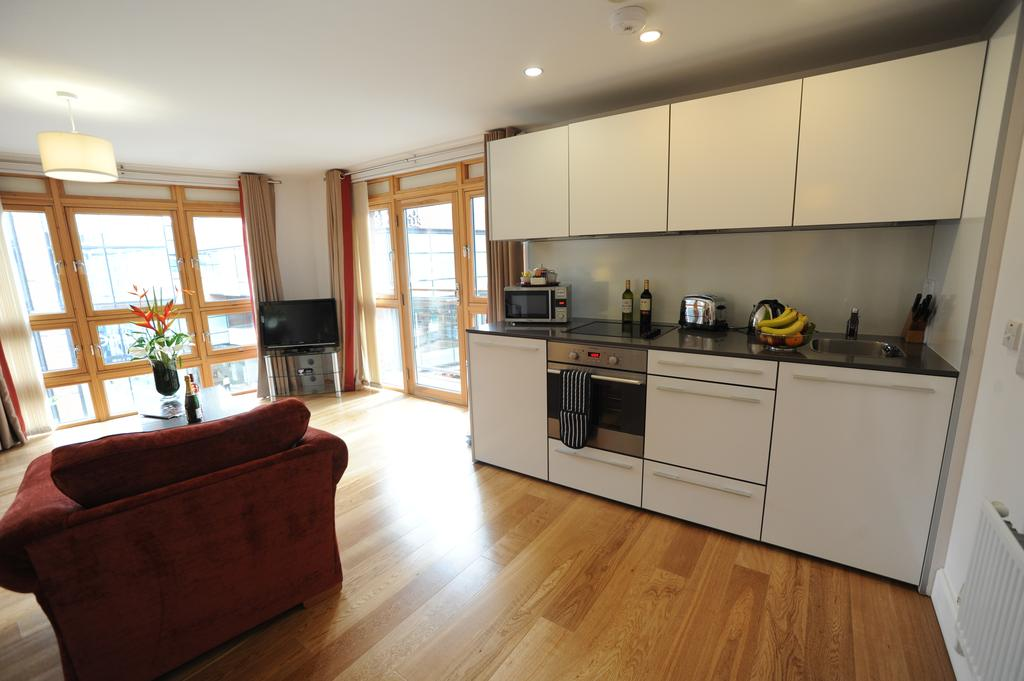 Bristol-Serviced-Accommodation---Cabot-Circus-Serviced-Apartments-UK---Corporate-Short-Lets-|-Urban-Stay