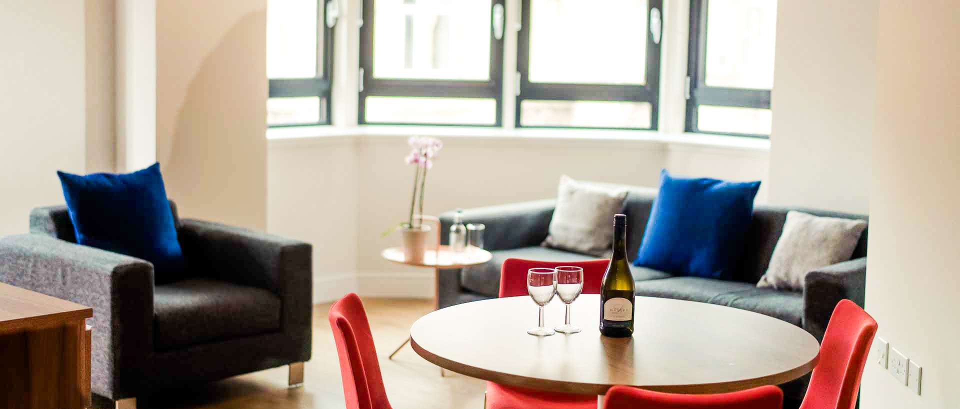 Corporate-Accommodation-Glasgow---Short-Let-Serviced-Apartments-in-central-Glasgow-Scotland---Urban-Stay-2