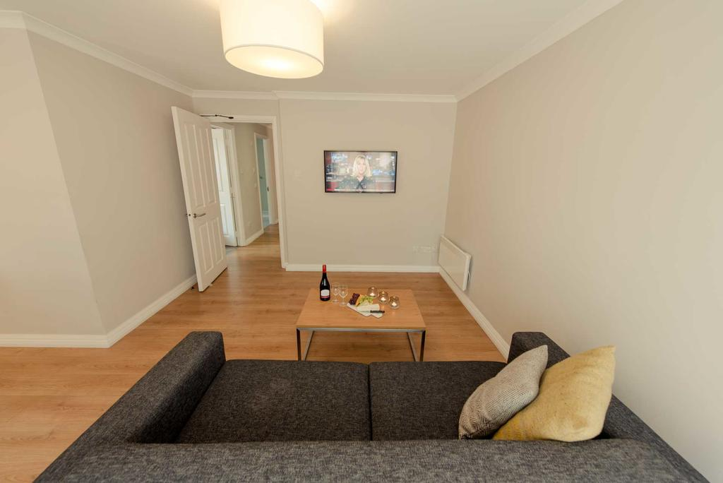 Reading-Aparthotel-Berkshire---Minster-Court-Serviced-Apartments-Central-Reading-UK---Urban-Stay