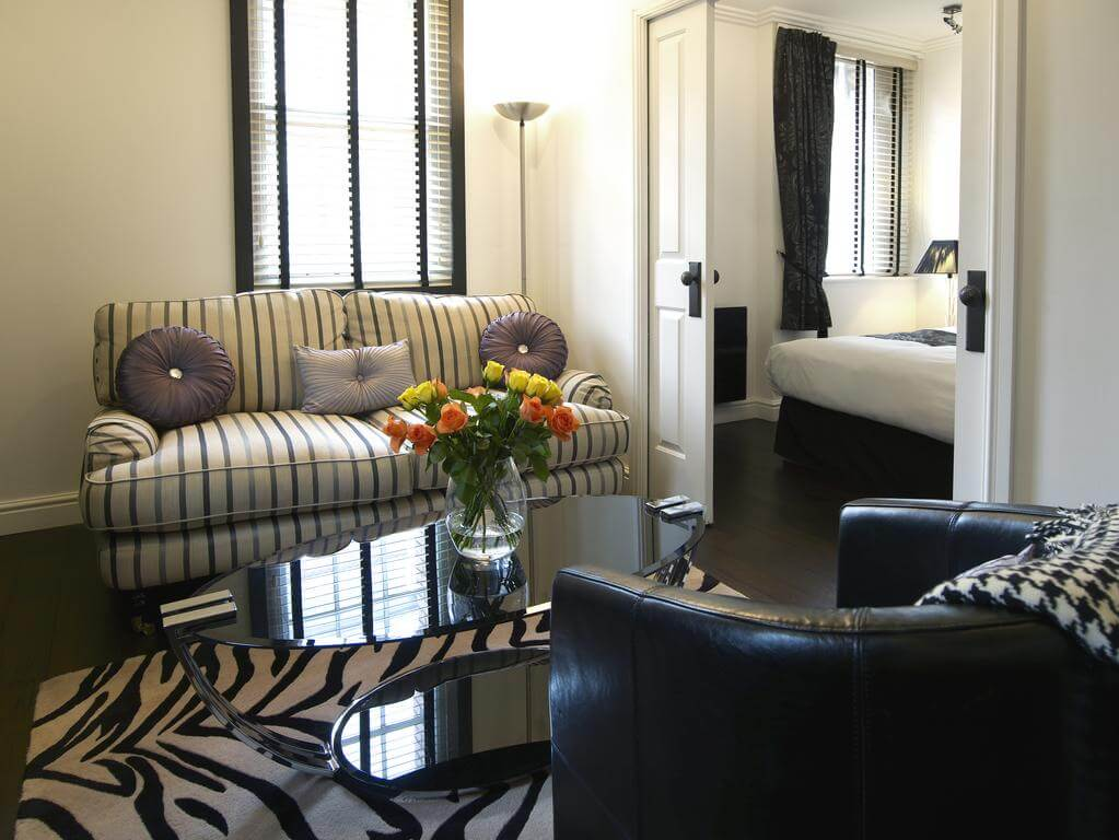 Cheltenham-Serviced-Apartments---Strozzi-Palace-Boutique-Suites-|-Stylish-Short-Let-Apartments-|-Free-Wifi-|-Fully-Equipped-Kitchen-|-Book-Now-0208-6913920