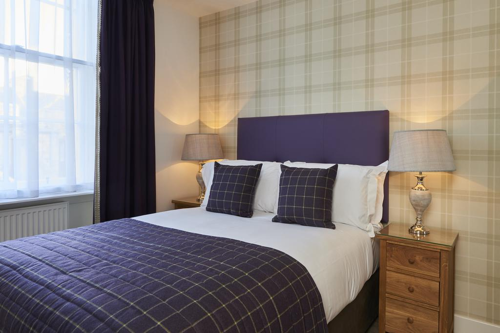 Corporate-Accommodation-Edinburgh---Braid-Serviced-Apartments Available-now-!-Book-Edinburgh-Serviced-Apartments-for-Long-&-Short-Lets!-Freeview-TV-&-WiFi