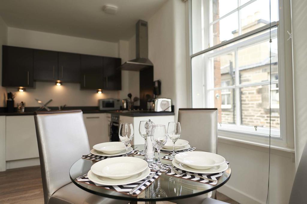 Corporate-Accommodation-Edinburgh---Braid-Serviced-ApartmentsAvailable-now-!-Book-Edinburgh-Serviced-Apartments-for-Long-&-Short-Lets!-Freeview-TV-&-WiFi