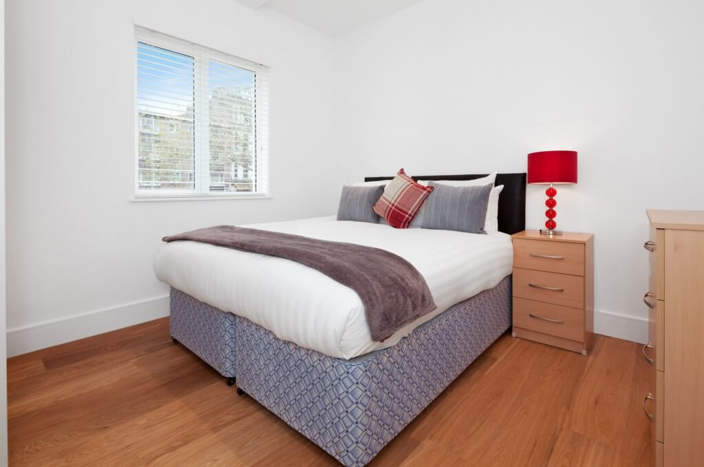Corporate-Accommodation-West-Kensington,-London---West-Kensington-Serviced-Apartments-available-NOW!-Free-WiFi-and-TV-with-Freeview-channels-I-Urban-Stay