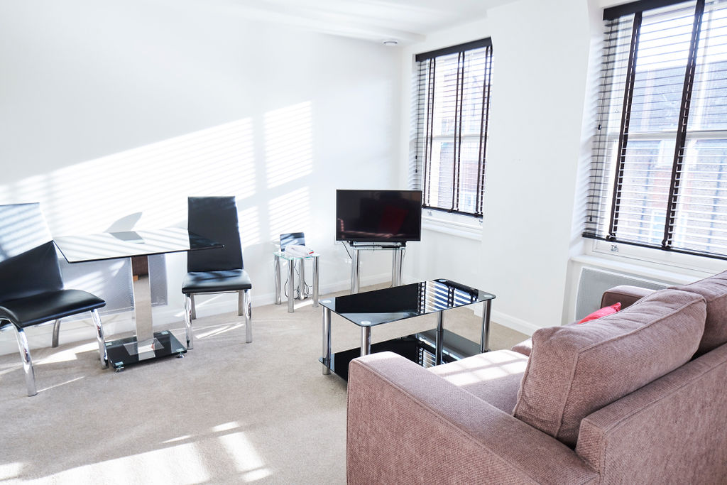 Serviced Apartments Kensington Olympia is conveniently located in front of the largest exhibition and conference center of the city, Olympia, making it an ideal choice for business and leisure travelers coming to London. The nearest Underground station is Kensington Olympia and West Kensington- both within a walking distance. Benefit from direct