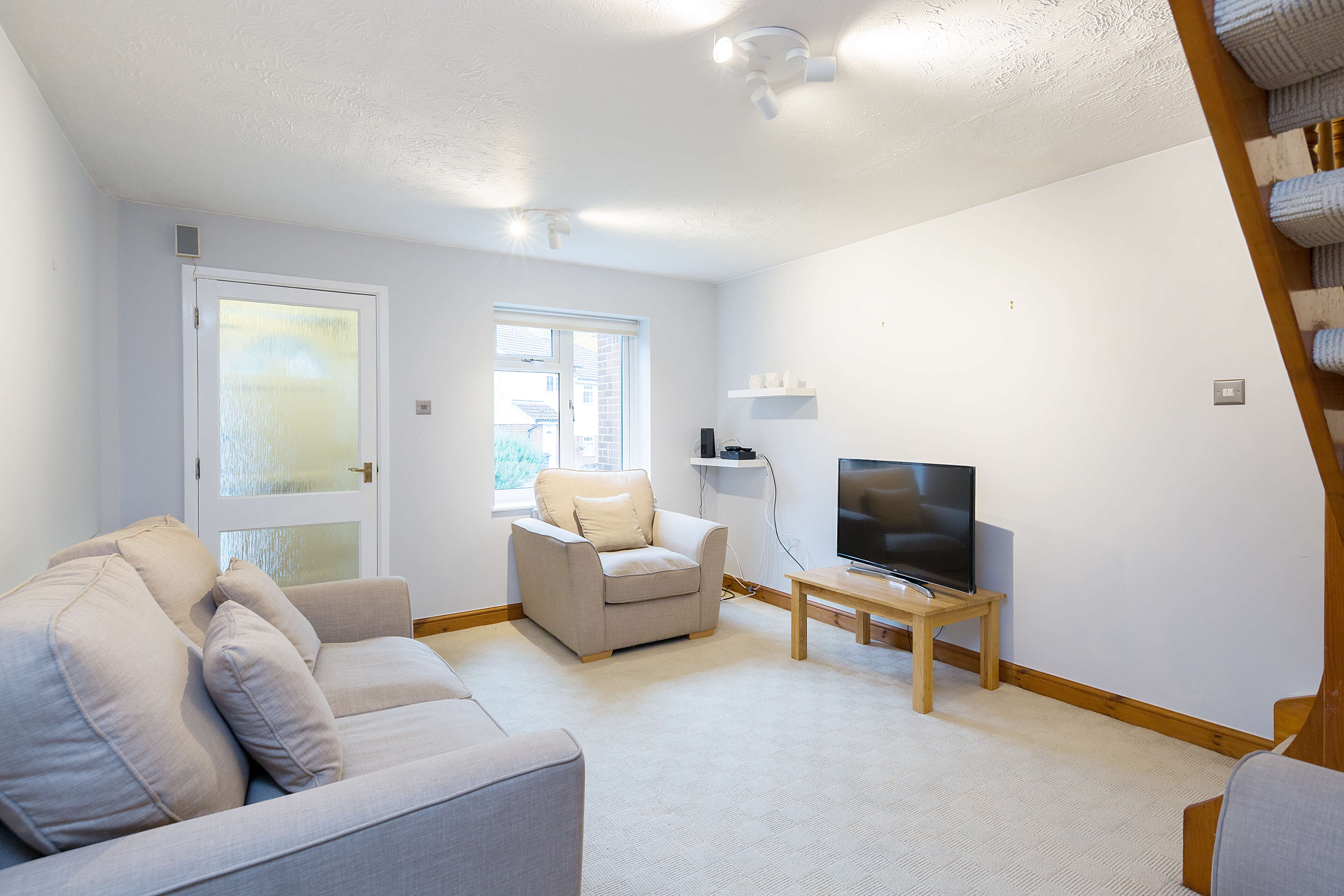 Maidstone-Serviced-Apartments,-UK---The-Valley-HouseI-Book-Short-Let-Apartments-in-Maidenstone-!-Free-Parking-&-Fully-Equipped-Kitchen-I-Available-Now!