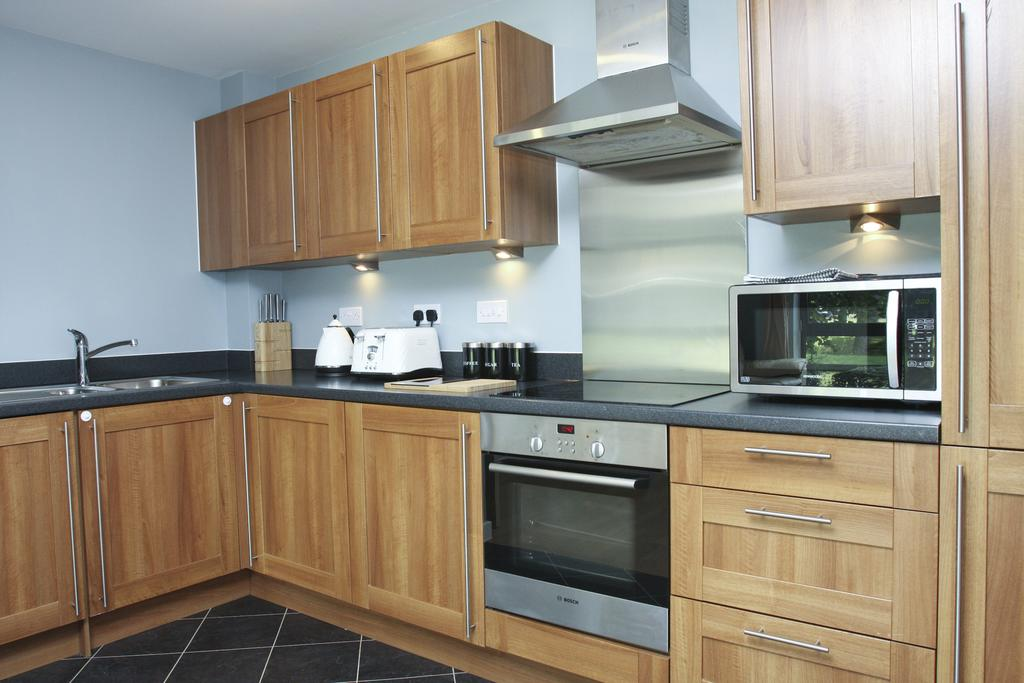 Watford-Serviced-Accommodation,-UK---Flanders-Court-I-Free-Parking-&-WiFi-I-Book-your-Self-Catering-Apartment-Now-and-get-the-Best-Rate-with-Urban-Stay