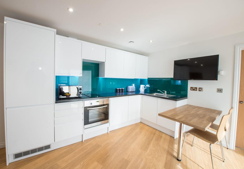 Corporate-Accommodation-in-Aberdeen-in-the-Grampian-region-with-free-WiFi-Urban-Stay-11