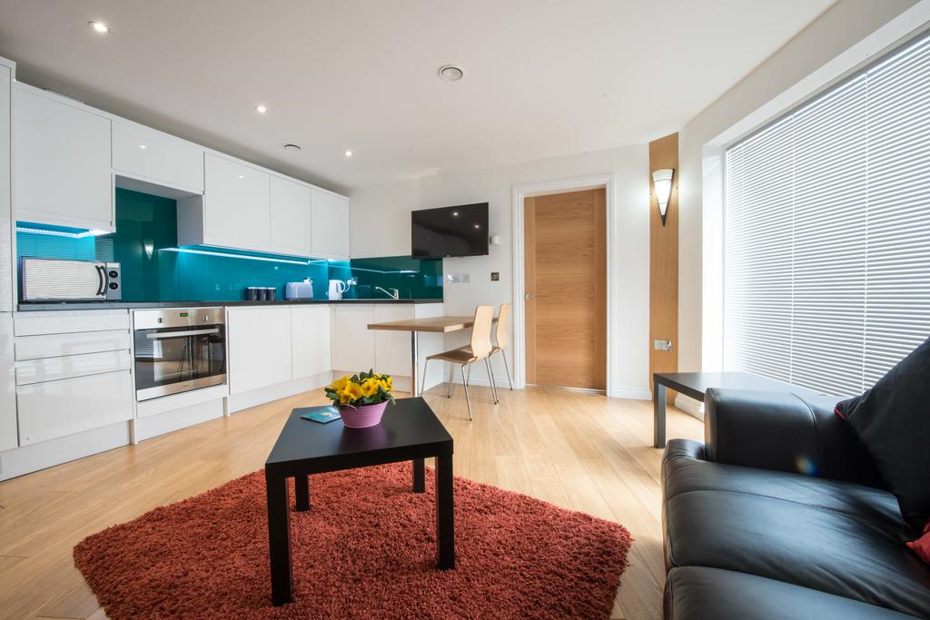 Corporate-Accommodation-in-Aberdeen-in-the-Grampian-region-with-free-WiFi-Urban-Stay-12