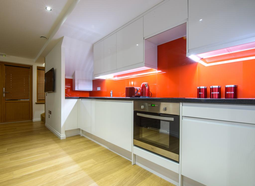 Corporate-Accommodation-in-Aberdeen-in-the-Grampian-region-with-free-WiFi-Urban-Stay-13