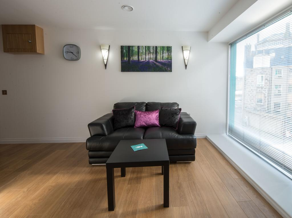 Corporate-Accommodation-in-Aberdeen-in-the-Grampian-region-with-free-WiFi-Urban-Stay-21