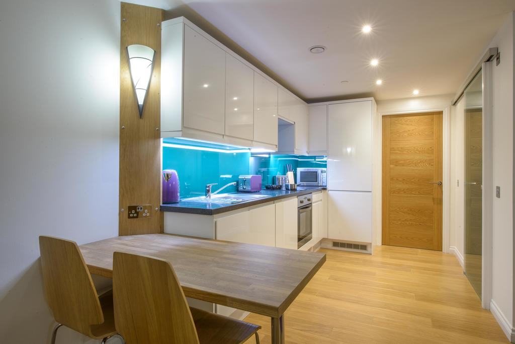 Corporate-Accommodation-in-Aberdeen-in-the-Grampian-region-with-free-WiFi-Urban-Stay-8