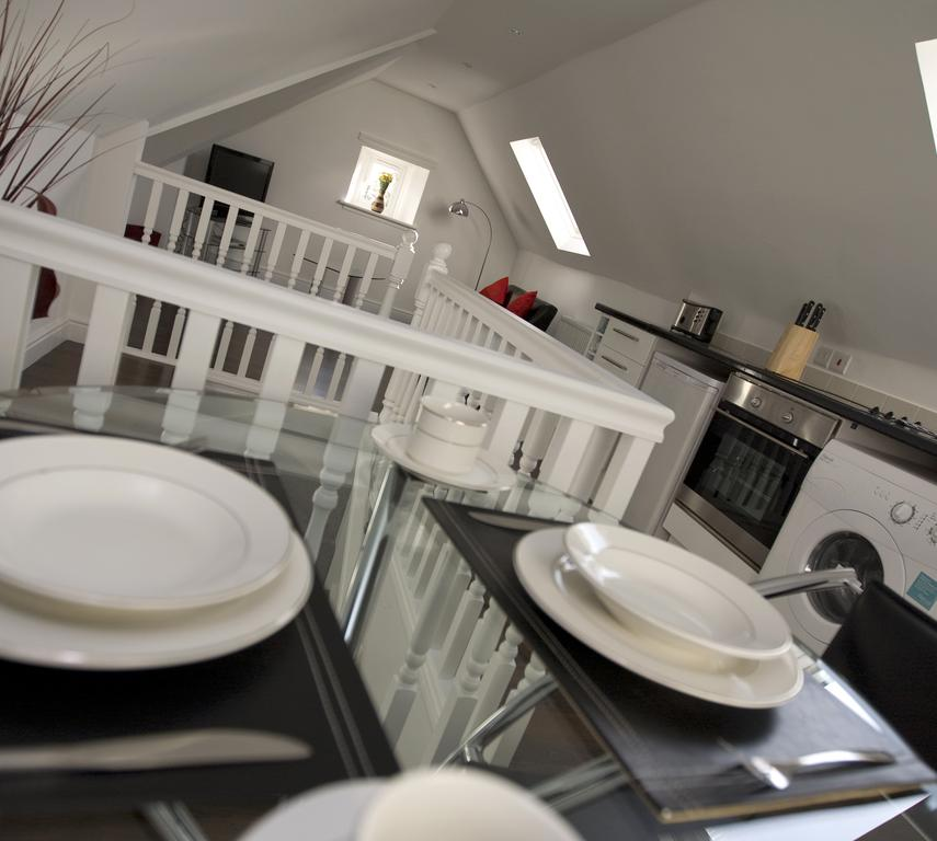 Aberdeen-Serviced-Apartments---The-Lodge-Apartments-Near-Aberdeen-City-Centre---Urban-Stay-3