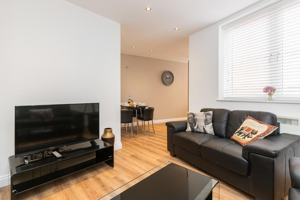 Accommodation-in-Birmingham-Arena-Birmingham-Apartment-Urban-Stay-14Accommodation-in-Birmingham-Arena-Birmingham-Apartment-Urban-Stay-14